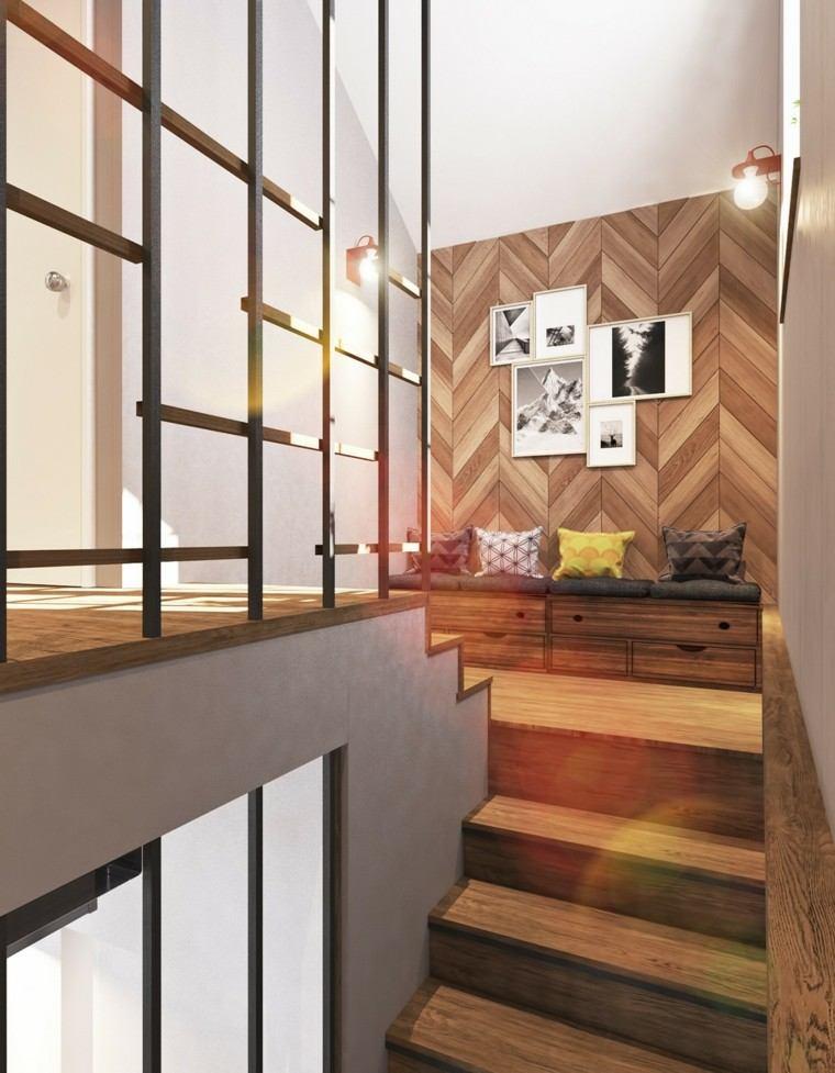 escaleras madera bancos cojines colores
