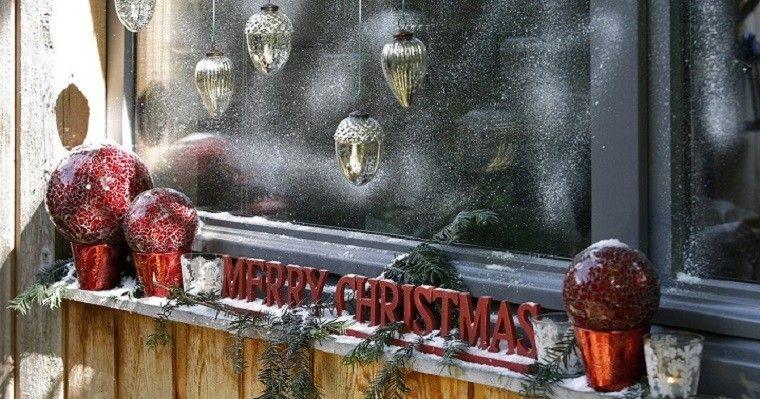 adornos de navidad ventana estilo esferas