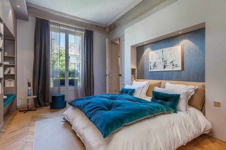 estetica funcionalidad apartamento moderno dormitorio cojin azul grande ideas