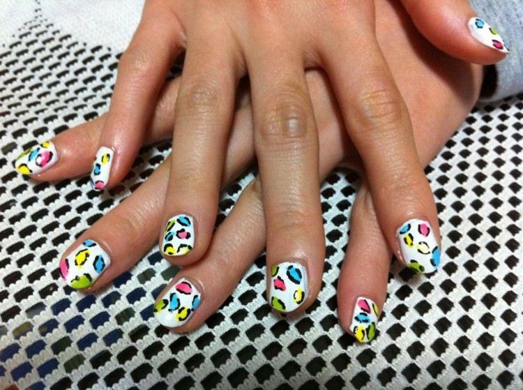 estupendo diseño uñas deco tigre