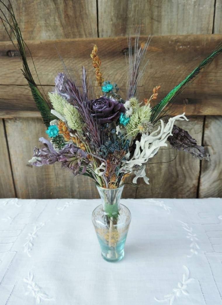 florero decorado plumas flores flores