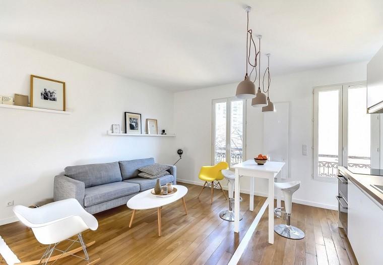 fotos originales salones pequenos estantes blancos silla amarilla ideas