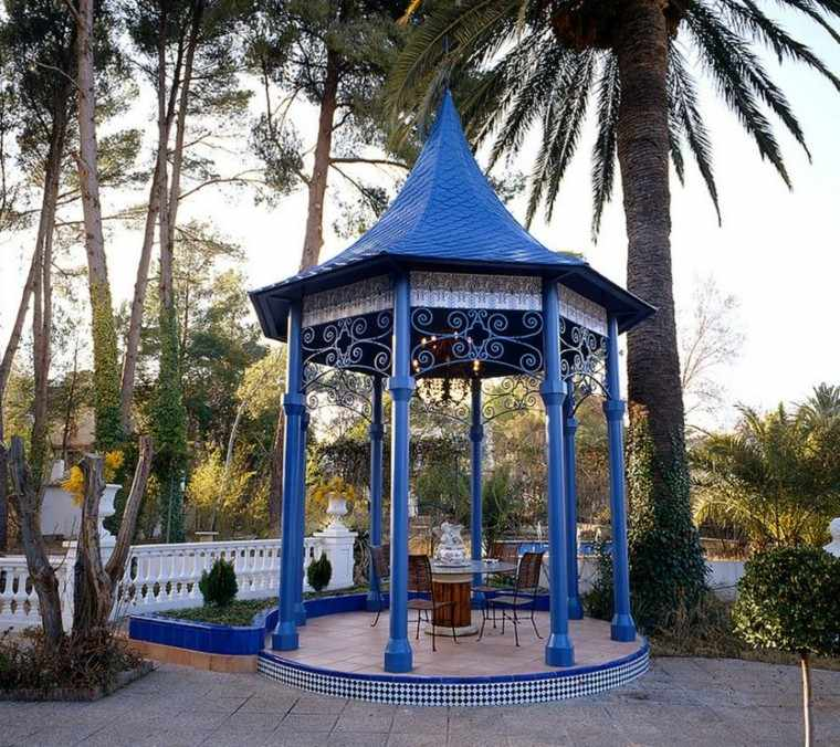 gazebo moderno jardin color azul vibrante ideas