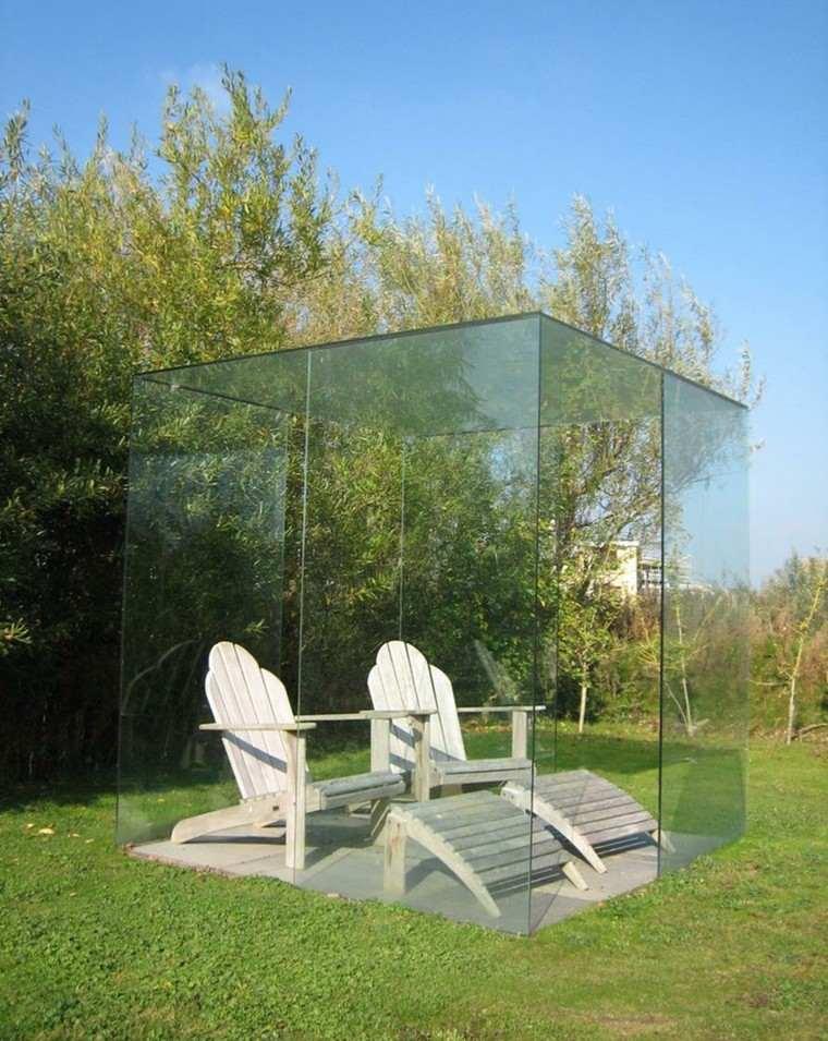 gazebo moderno jardin cristal transparente sillones blancos ideas