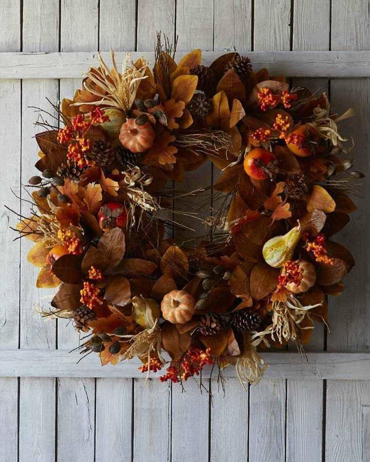 guirnalda puerta hojas secas marrones