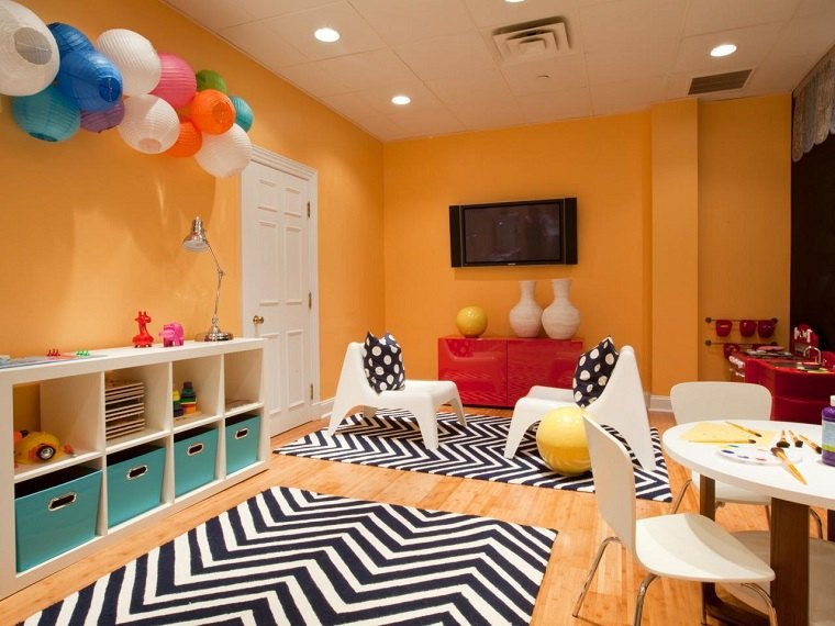 habitacion juegos ninos color naranja alfombra blanco negro ideas