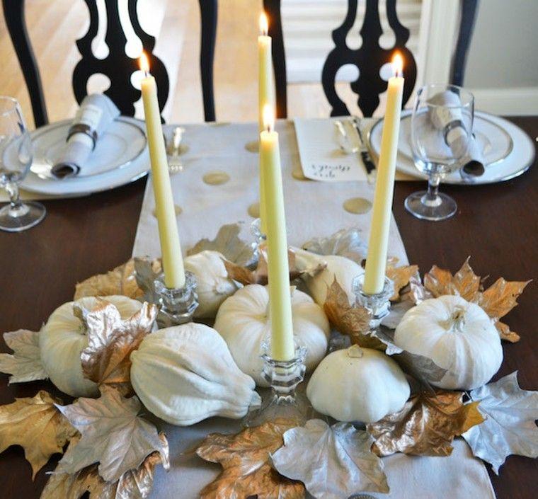 hojas secas velas sillas fuego