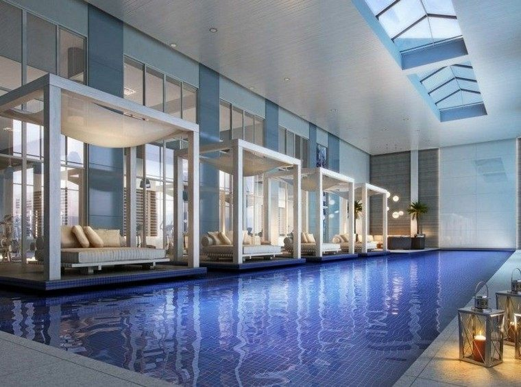 interior agradable piscina amplia alto