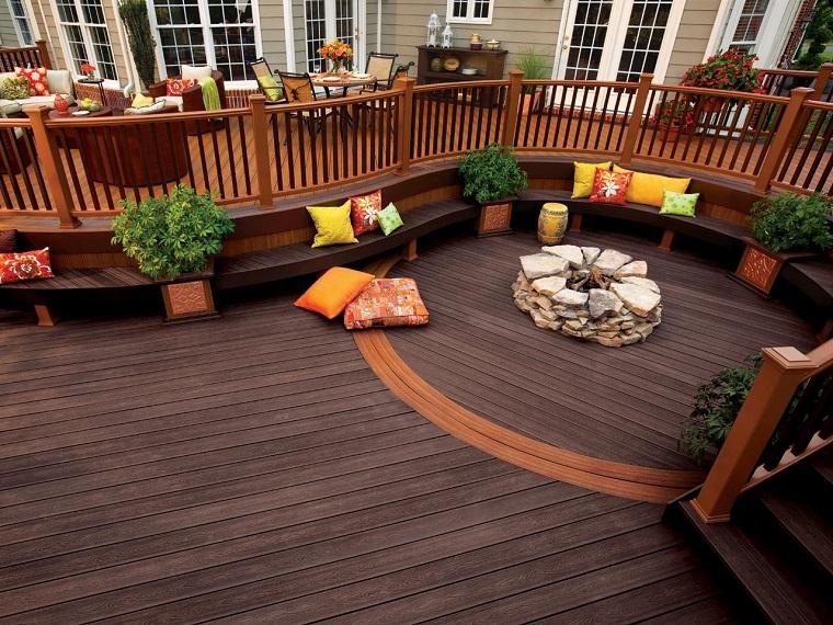 jardin curvado suelo bancos madera cojines colores preciosos ideas