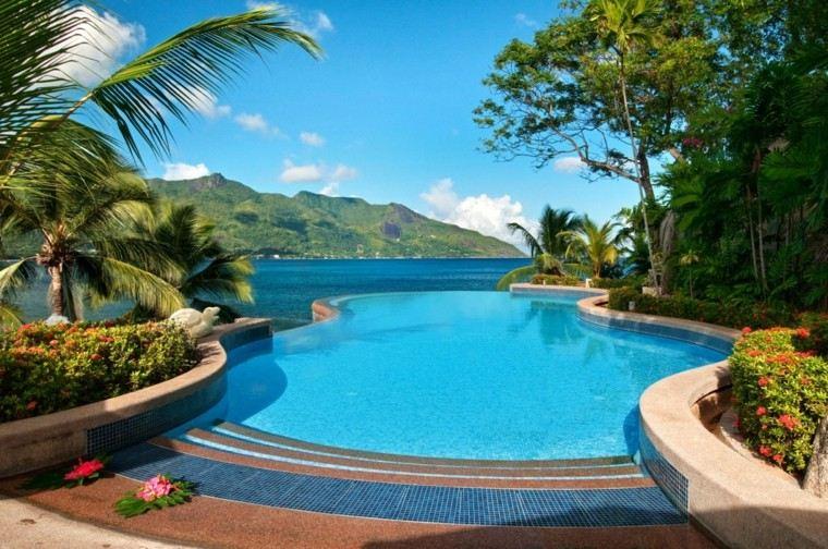 jardin moderno tropical piscina forma original vistas ideas