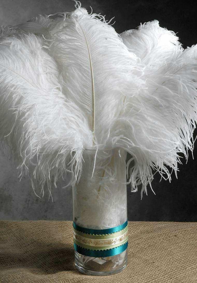 jarron cristal adronado plumas blancas