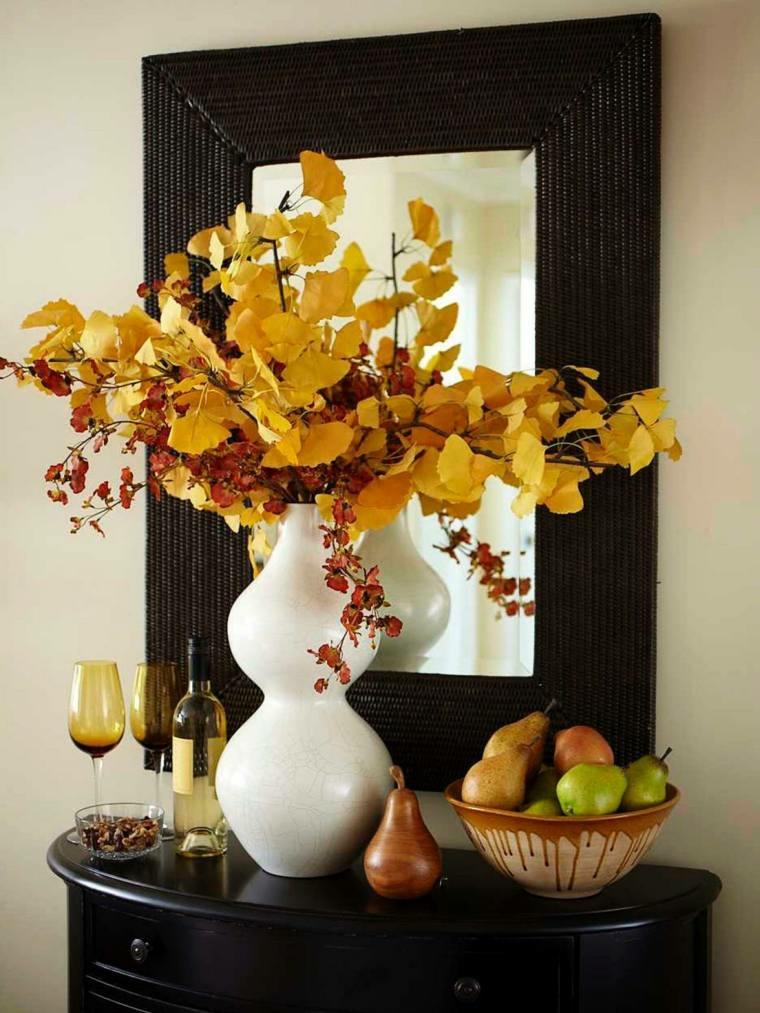 jarron color blanco hojas amarillas