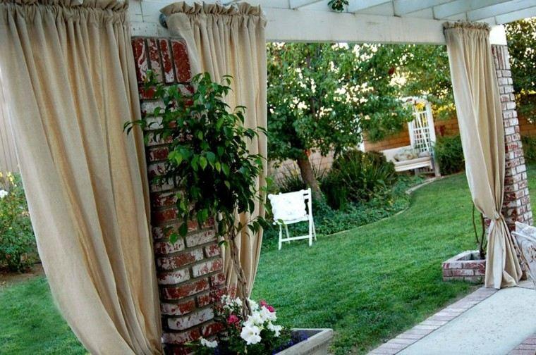 ladrillos muro estantes plantas flores