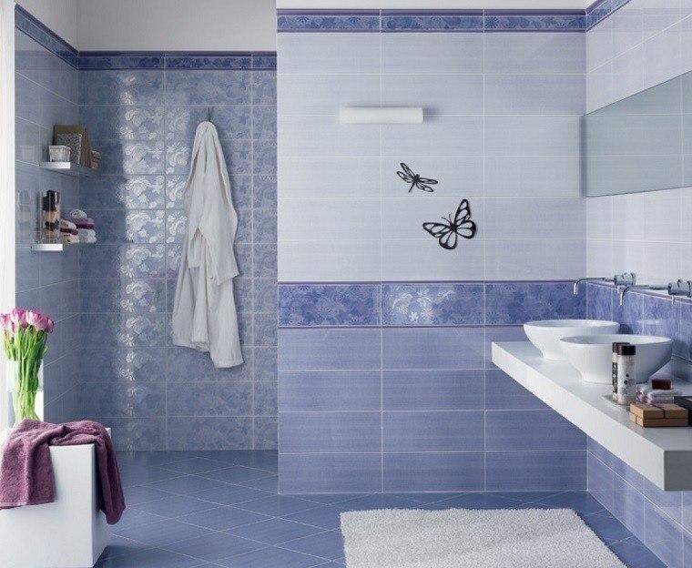 losas azules suelo pared bano mariposas decorativas ideas