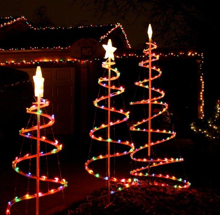 Luces de navidad 50 ideas festivas para decorar la casa - Luces exterior navidad ...