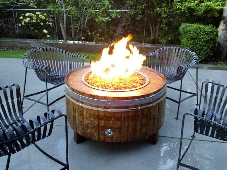 lugar fuego gas madera negras sillas acero ideas