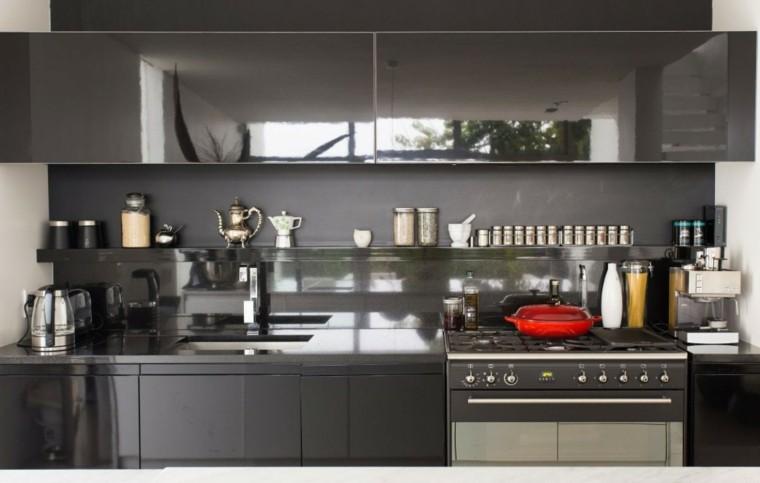 magia negra cocina estante abierto tarros ideas