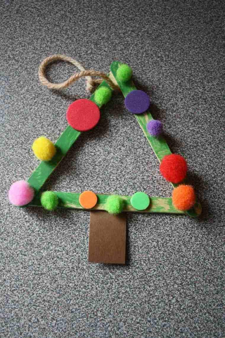 manualidades de navidad para niños arbol madera colores