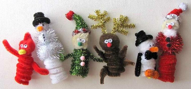manualidades de navidad para niños enanos coloridos blanco