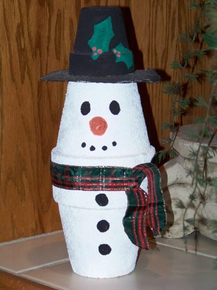 manualidades de navidad para niños macetas blancas sombrero