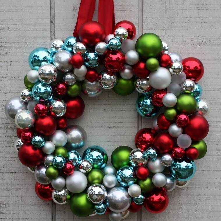 Manualidades de navidad 50 ideas para decorar for Coronas de navidad hechas a mano