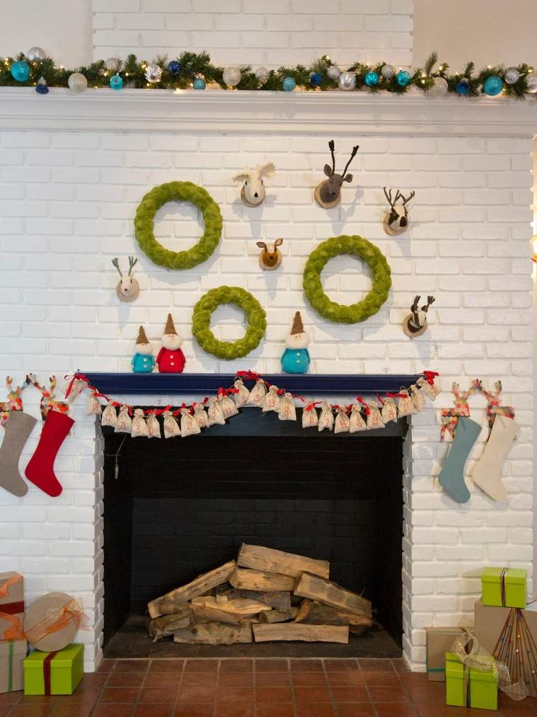 manualidades navidad originales guirnalda bolsas pequenas idea