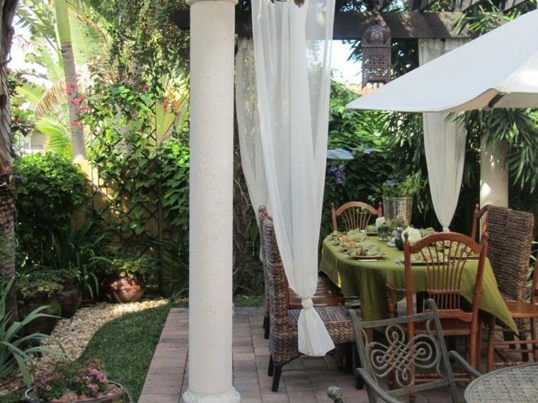 marruecos patio suelo jardin columnas