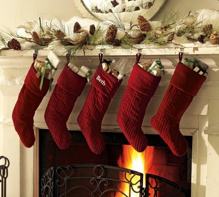 medias rojas casa decoracion fuego metales