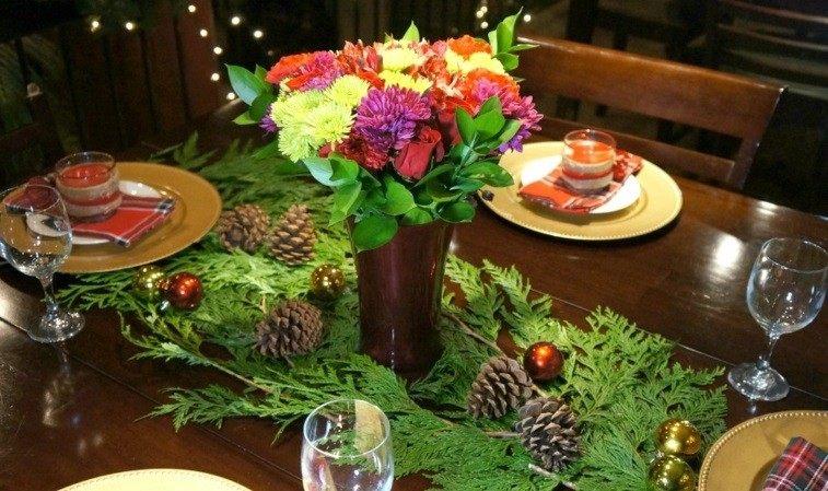 mesa diseño decorado platos flores