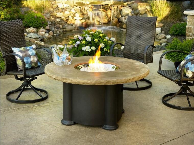 mesa fuego gas sillas rattan negro cojines ideas