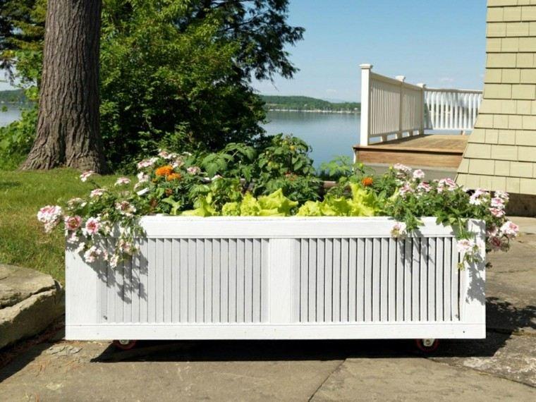 mueble blanco balcon ruedas lago