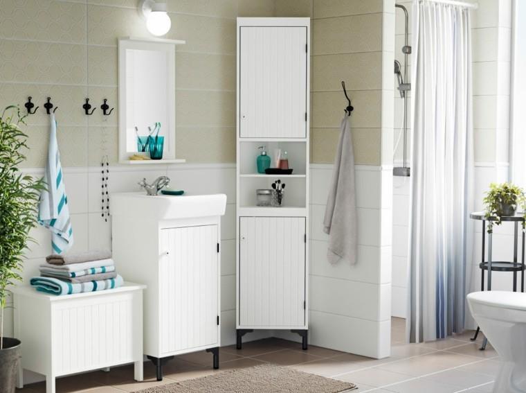 muebles blancos azulejos color beige