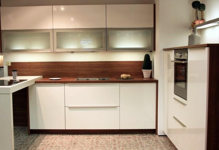 muebles cocina blancos salpicadero madera