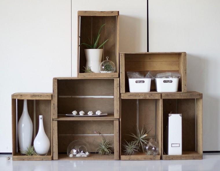 Muebles reciclados hechos con cajas de frutas for Muebles con cajas de madera