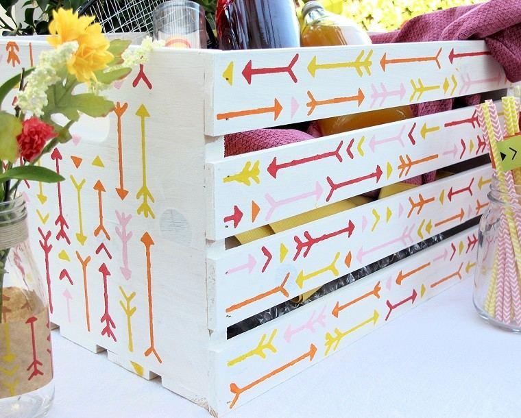 Muebles reciclados hechos con cajas de frutas - Como decorar cajas de madera de fruta ...