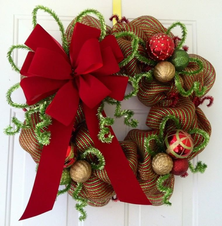 Coronas y guirnaldas de navidad cincuenta modelos for Guirnaldas navidenas para puertas y ventanas
