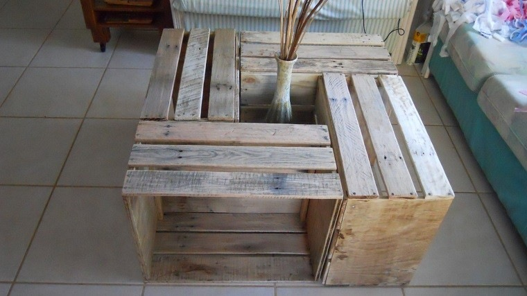 Muebles reciclados hechos con cajas de frutas for Reciclado de muebles y objetos