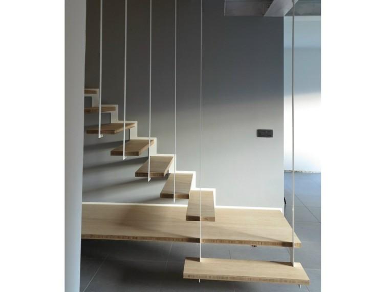 paneles colgantes escalones madera