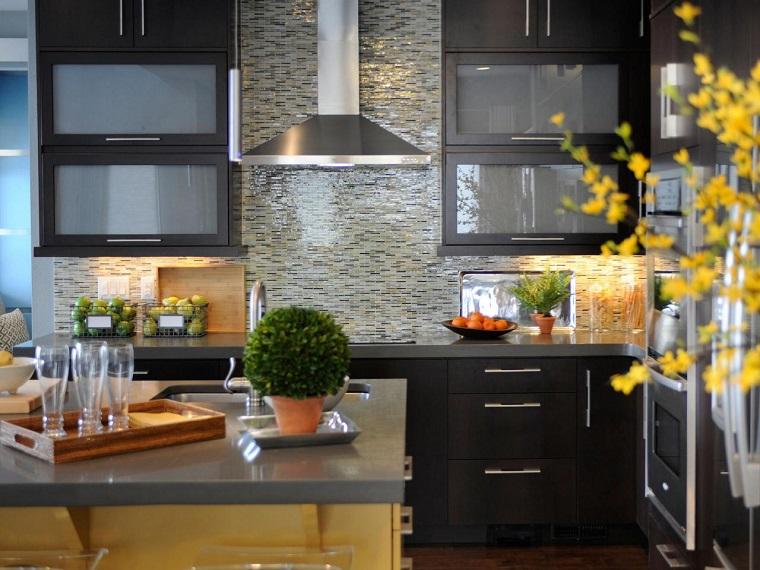 pared cocina moderna losas isla muebles negros ideas