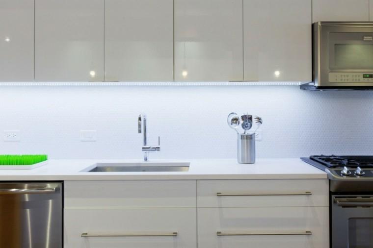 Panel de cocina 50 ideas para la pared de la cocina for Mosaicos para cocinas modernas