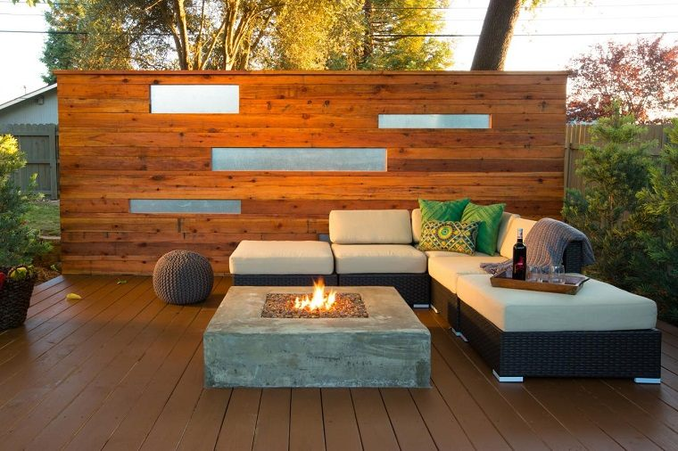 pared madera jardin lugar fuego sofa preciosa ideas
