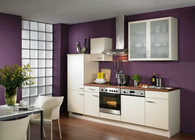 paredes cocina color purpura morado