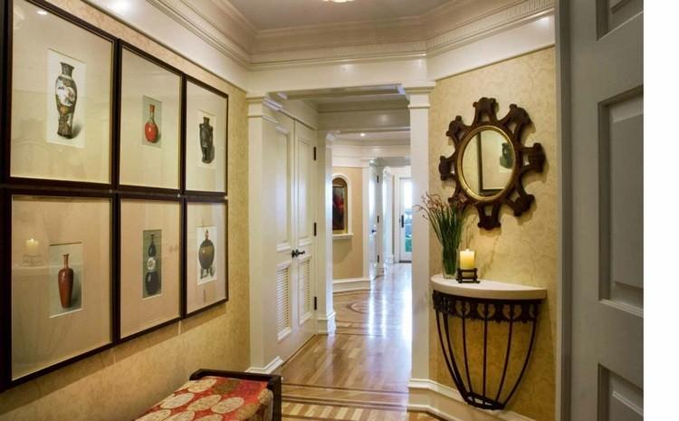 Entradas y recibidores con encanto 50 ideas para decorar for Diseno pasillos interiores