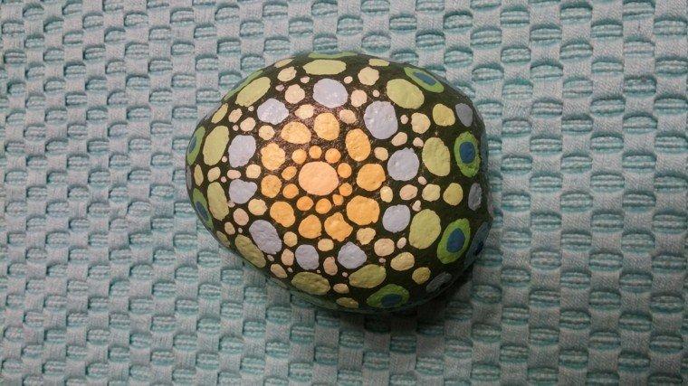 piedra mandala original diseño puntos