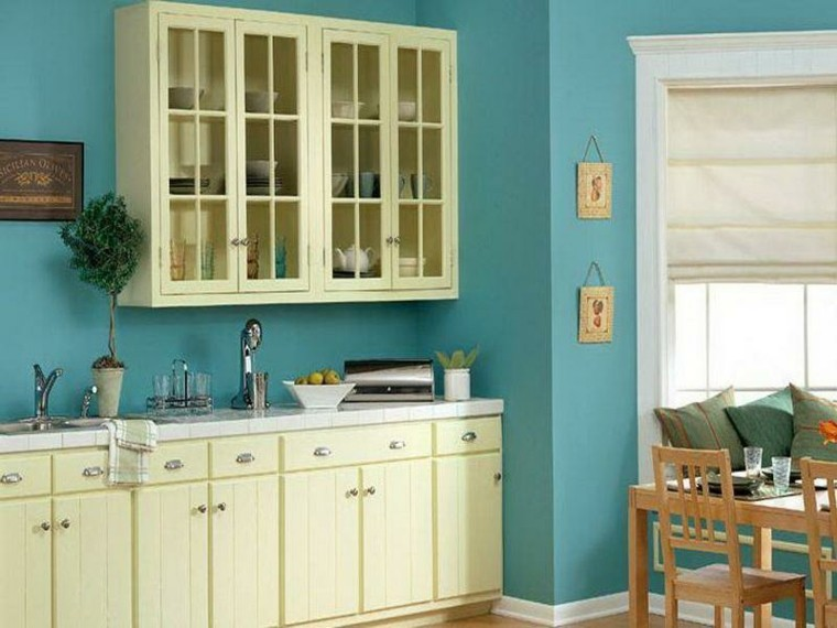 Cocinas pintadas con los colores de moda 50 ideas for Pintura color wengue para muebles