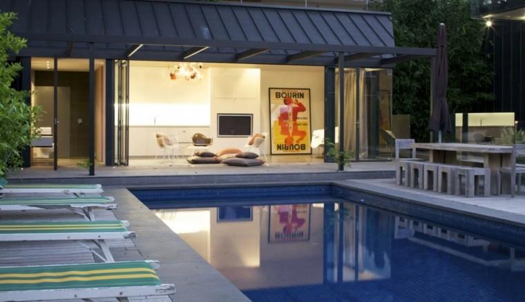 pisicna casa moderna jardin mesa bancos madera ideas