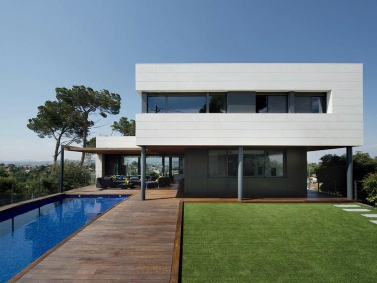 pisicna casa moderna jardin suelo madera cesped ideas