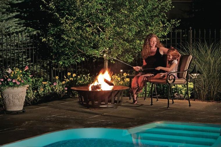 plato fuego jardin trasero banco acero piscina ideas