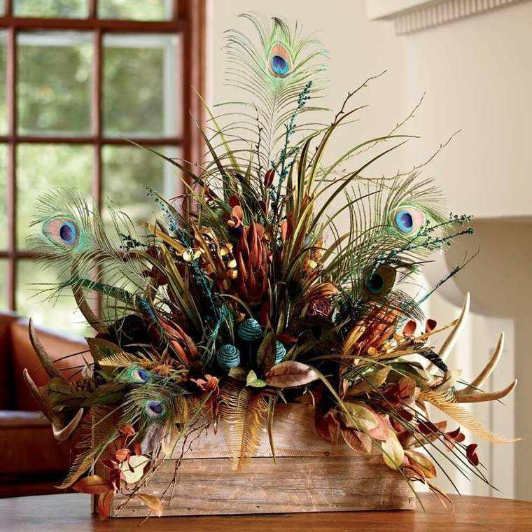 pluma pavo real florero madera