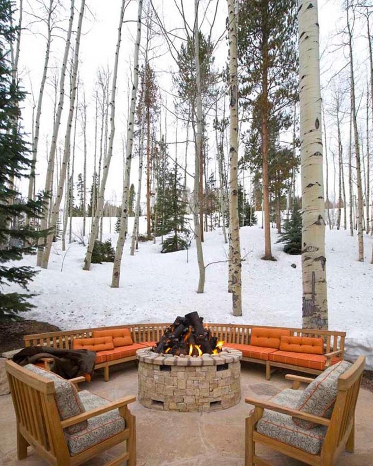pozo fuego bancos sillas madera cojines naranja invierno ideas